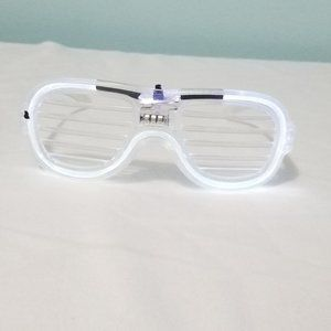 LIGHT UP clear party glasses
